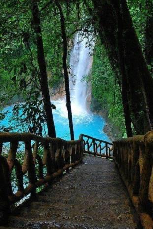 Blue Pool, Nicaragua